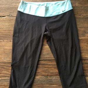 Nike | Dri- Fit Capri Leggings